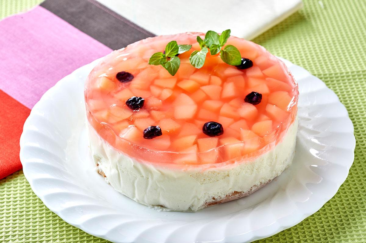 「福たっぷり桃ケーキ」